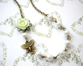 Flower Girl Necklace Daisy Necklace Children Jewelry Wedding Gift For Girls Little Girl Necklace Butterfly Necklace Green Flower and Pearl
