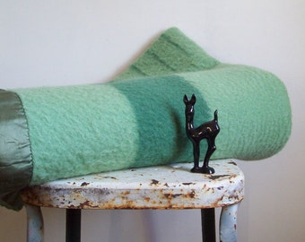 Antique wool blanket Eatons Trapper Point 4 point green on green 1940's made in England Hudson Bay Style wool blanket