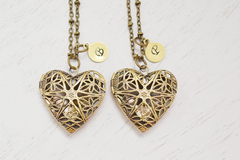 personalized locket necklace sister necklaces bridesmaid. Black Bedroom Furniture Sets. Home Design Ideas