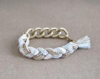 Beige bracelet with chunky chain, boho braid bracelet, chain bracelet, beige and gold
