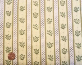 Petite Fleur #264-G for P&B Textiles, 1 yard, C116Y.
