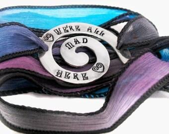Lila und blau seidenpackung armband alice im wunderland inspiriert