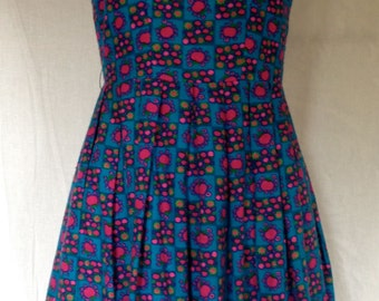 Pretty Vintage 1960s/60s Sleeveless Azure Blue/Pink Apple Print Dress with Pink Piping