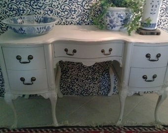 Beautiful Vanity Style Antique Desk much character for your decor. Shipping not included.