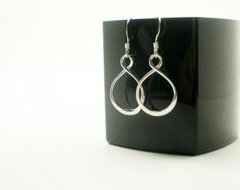 Sterling Silver Infinity Earrings, Everyday Earrings, Simple Earrings, Minimalist Jewelry, Infinity Earring, Sister Gift, Best Friend Gift