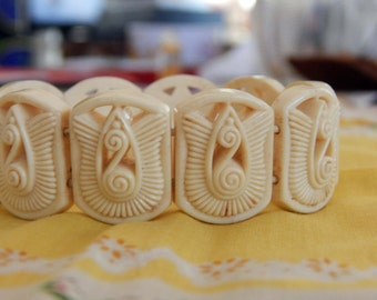 Great Stretch Celluloid Bracelet, Ivory