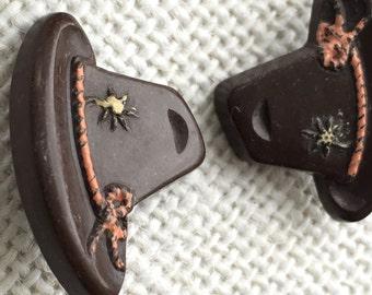 Vintage Plastic Hand Painted Three Dimensional Austrian Palm Tree Hat Button- Item 201