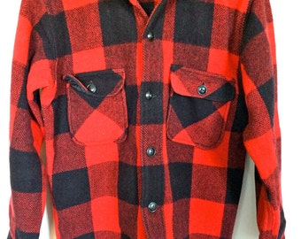 Vintage WOOL PLAID Camp Shirt Shirt | MAINE Guide Outerware by Congress | Red and Black | Size Small