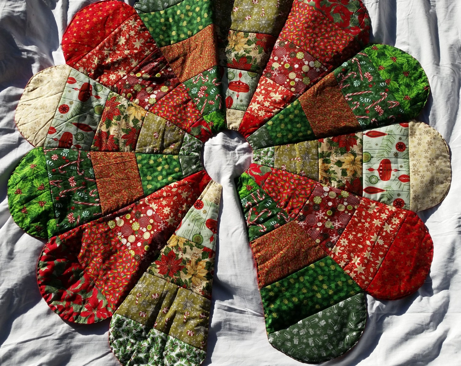 Quilted handmade christmas tree skirt by outislandessentials