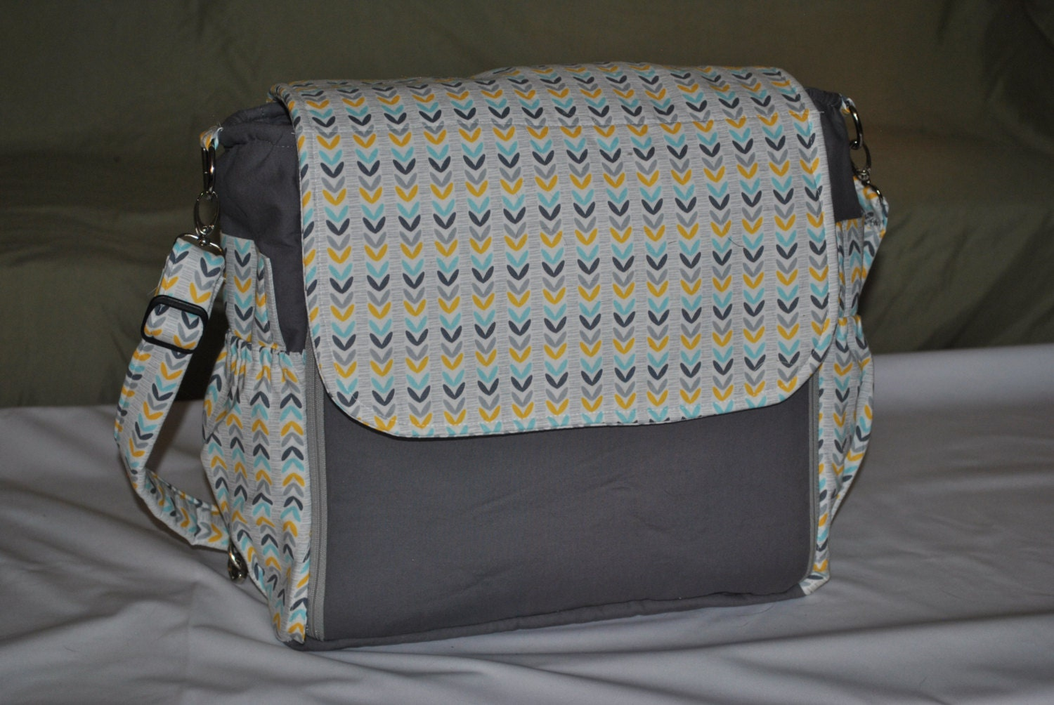 diaper bag messenger style. Black Bedroom Furniture Sets. Home Design Ideas