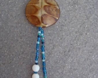 Leaf in resin long necklace