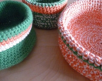 Set of three baskets with hook, green and orange
