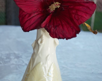 Vintage Belleek Calla Lily Vase