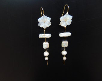 Earrings in gold 18 K with pearls, Kollektion The Four seasons of Designer Catia Levy