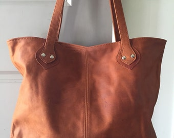 Tan leather Tote Bag!Quality, genuine leather.Free Shipping.Leather shopping tote bag with feature details on this leather handbag.