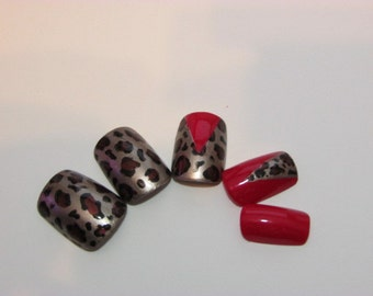 Cheetah Print w/ Red Accents False Nail Set
