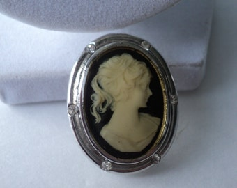 Glossed over Cameo Style Brooch