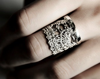 Silver Lace Crown Ring