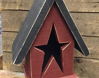 Primitive Birdhouse with Star Cutout