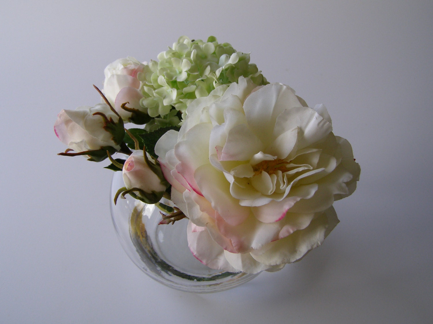 how to clean silk flowers with vinegar. Black Bedroom Furniture Sets. Home Design Ideas