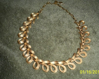 VINTAGE SARAH COVENTRY choker..exquisite piece...