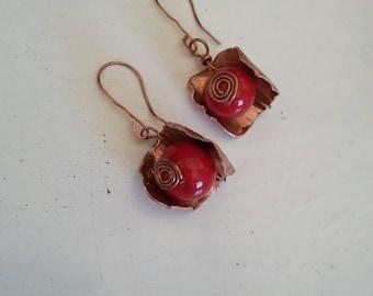 Rosebud earrings of copper