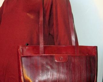 vintage large caramel brown leather ETIENNE AIGNER purse