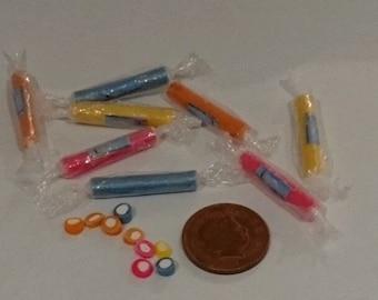 Dolls House Miniature Sweets - 5 Sticks of Assorted Blackpool Rock