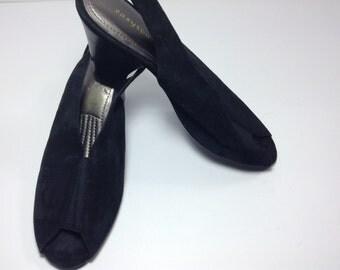 Vintage Easy Spirit black peep toe sandal