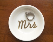 Mrs Ring Dish | Custom Engagement Ring Holder | Personalized Jewelry Dish | Cute Wedding Engaged Gift