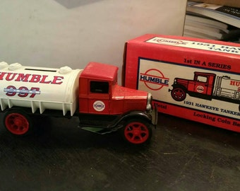 Humble Oil 1931 Hawkeye Tanker Truck Bank