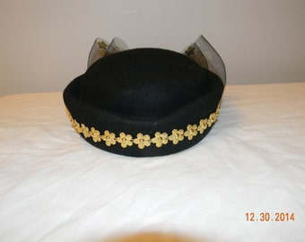 Vintage inspired pillbox hat