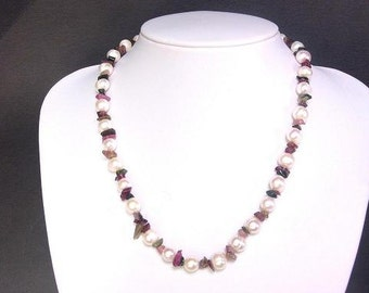Necklace FW White Pearls w/ Tourmaline Chips 1 strand NHTM0101