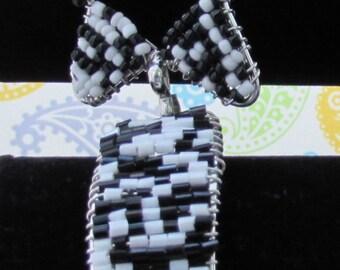 Black And White Seed bead Bracelet,Wire Wrapped Bracelet,Star Shaped Bracelet,Accessories,Beaded Jewelry,Cuff Bracelet,Silver Jewelry,Beads