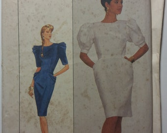Simplicity 8485 Misses' Dress with Pleated Side Pockets.  Size 8