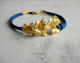 Flower leather bracelet
