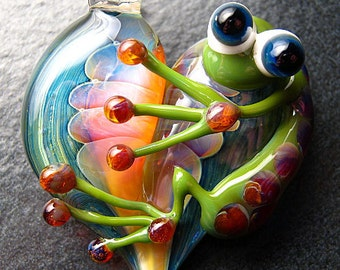 Frog pendant - glass heart lampwork pendant focal bead necklace - Boomwire Glass jewelry