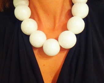 OVERSIZE -- giant pearls white glitter and gold necklace