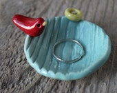 Tiny Faux Bois Bird & Nest Dish - Red on Aqua