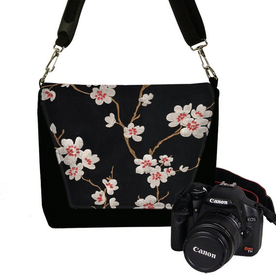 Excellent Ever Since I First Spotted The Mooli Range Of Camera Bags Ive Wanted One So When The Chance To Work With Them Came Up And They Gifted Me Their Beautiful Red Bag My Camera Bag Has Never Been Quite So Brilliant My Mooli London Hampton