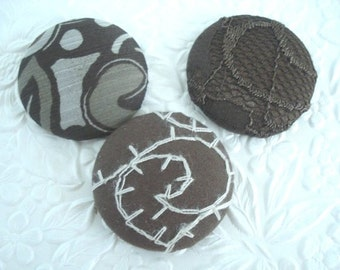 3 brown buttons,  fabric buttons, covered buttons, textured buttons, 1.5 inch button, size 60 buttons