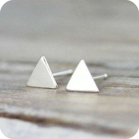 Boucles d'oreilles mini triangles cubicule