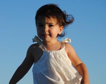 Beautiful antique white beach portrait dress photo shoot pics size 0-12 girls
