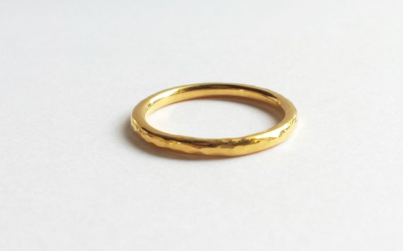 Solid 18K, 14K or 10K Gold Hammered Stacking Wedding Band. Custom Gold Hammered Wedding Band.