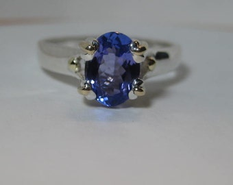 Beautiful Tanzanite Sterling Silver and 14 kt Gold ring  . size 7 size N 1/2 for my UK friends ... e727