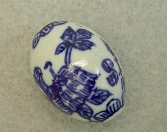 Vintage CHINESE PORCELAIN Bead Blue Flowers Calligraphy 28mm pkg1  por153
