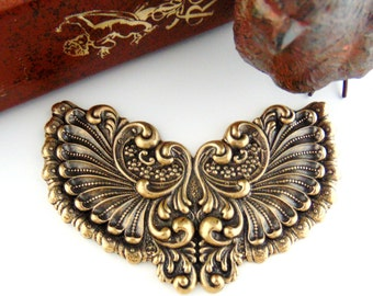 ANTIQUE BRASS Victorian Winged Cartouche Stampings - Jewelry Ornamental Findings (C-802) #