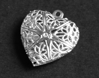 Bulk 100 pcs of Silver plated filigree Heart Locket Pendant 20x20mm, puff heart locket, texture back