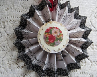 Handmade Victorian Valentine Decoration Cottage Chic Ornament Roses Flowers Music with Black Edge