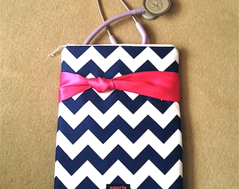 chevron NURSING PURSE / AnyCase, nurse organizer case in navy/white with pink knot ( stethoscope case, medical pouch, pockets for penlight)